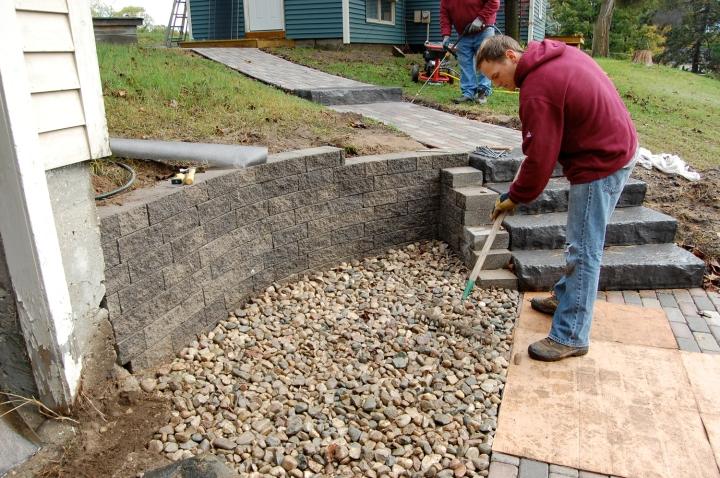 11-17 sam spreading rocks